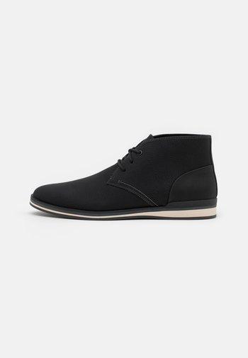 LODDON - Zapatos con cordones - black