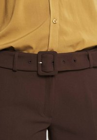 More & More - TROUSER - Trousers - chocolate - 5