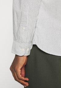 Selected Homme - SLHSLIMMILTON STRIPES - Formal shirt - sky blue - 5