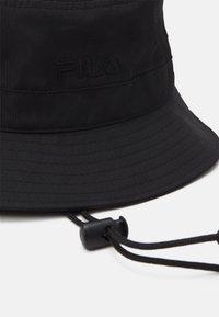 Fila - BUCKET HAT HERITAGE TAPELIGHT WEIGHT FISHERMAN HAT UNISEX - Sombrero - black - 3