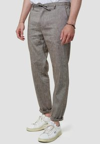 Zuitable - LEICHTE  - Trousers - braun - 0