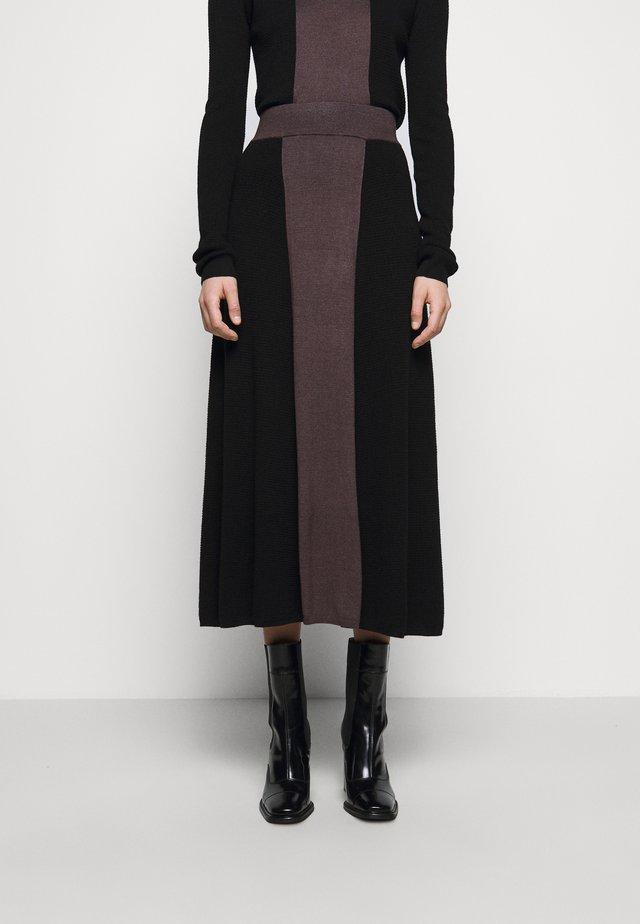 PUNAN - Maxi sukně - black