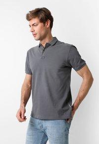 Scalpers - Polo shirt - dark grey - 0