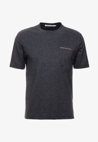 Calvin Klein Jeans - CORE EMBRO TEE - Jednoduché triko - black - 4