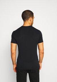 Calvin Klein Underwear - CREW NECK - Podkoszulki - black - 2