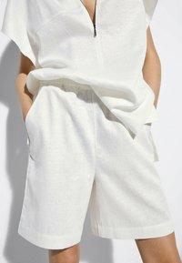 Massimo Dutti - Short - white - 3