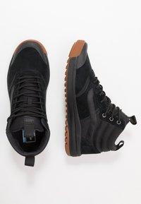 Vans - ULTRARANGE MTE - Sneakersy wysokie - black - 1