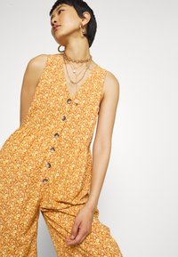 Madewell - TANK BUTTON FRONT CHALLIS IN FLORAL - Jumpsuit - vine floral mulled cider - 3