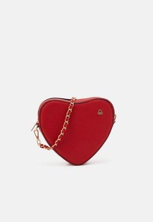 BAG - Across body bag - red