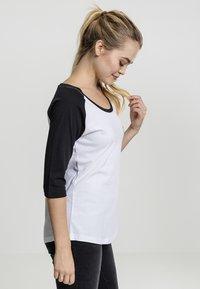 Merchcode - LADIES BANKSY - Long sleeved top - white/black - 3