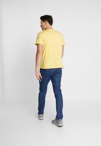 Lacoste - Basic T-shirt - daba - 2