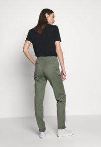 Esprit - Pantalones chinos - khaki green - 2