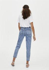 PULL&BEAR - MOM FIT - Straight leg jeans - blue denim - 2