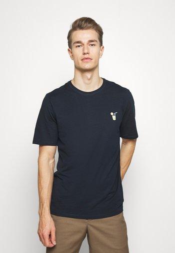 SLHFRESNO  - Basic T-shirt - sky captain