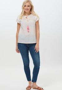 Sugarhill Brighton - MAGDA COLOUR FLECK - Print T-shirt - white - 1
