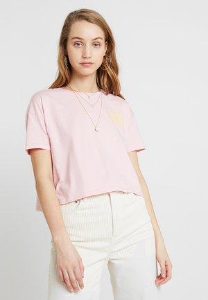 CATE T-SHIRT - Print T-shirt - blush rose