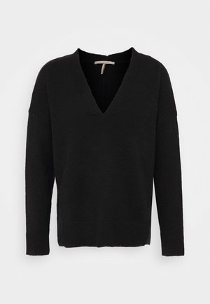 FUZZY V-NECK WITH SIDE SLITS - Jumper - black