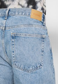 Weekday - GALAXY TROUSERS - Relaxed fit -farkut - hanson blue - 5