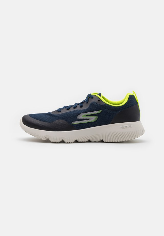 GO RUN FOCUS - Scarpe running neutre - navy/lime