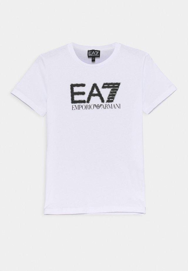 EA7 - T-shirts print - white