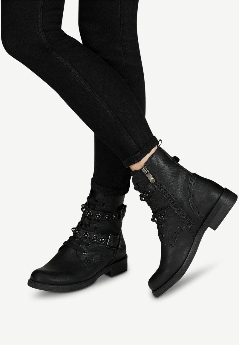 Marco Tozzi - STIEFELETTE - Cowboy/biker ankle boot - black antic