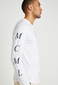Tommy Hilfiger - UNISEX LEWIS HAMILTON LONG SLEEVE - Langærmede T-shirts - white - 6