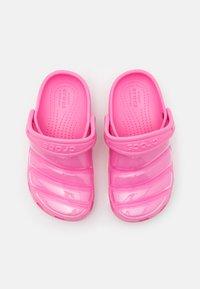 Crocs - CLASSIC NEO PUFF - Pool slides - pink lemonade - 3