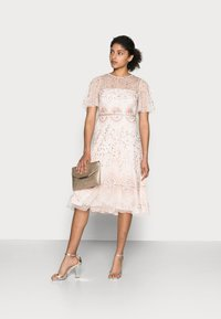 Adrianna Papell - BEADED FLUTTER DRESS - Cocktail dress / Party dress - pale pink - 1
