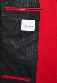 Lindbergh - Kostym - red - 10