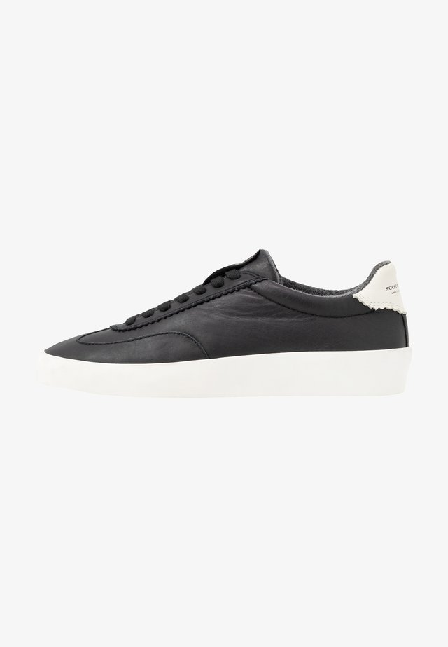 PLAKKA - Sneakers basse - black