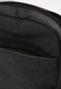 Porsche Design - CARGON SHOULDERBAG - Torba na ramię - darkgrey - 6