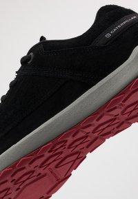 Caterpillar - QUEST - Sneakersy niskie - black - 5