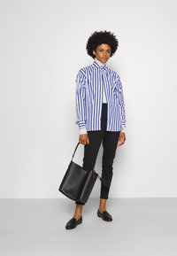 Polo Ralph Lauren - LONG SLEEVE - Button-down blouse - white/medium blue - 1