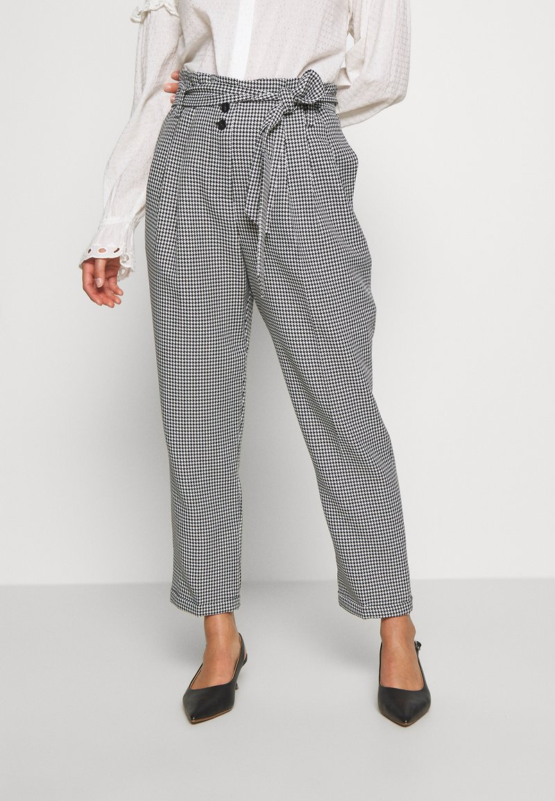 Miss Selfridge Petite - CHECK PAPERBAG TROUSER - Trousers - black