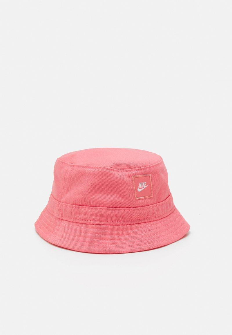 Nike Sportswear - CORE BUCKET HAT UNISEX - Hat - sunset pulse