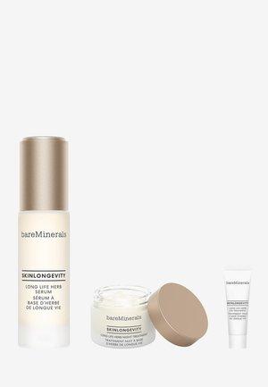 SKINLONGEVITY TRIO - Skincare set - -