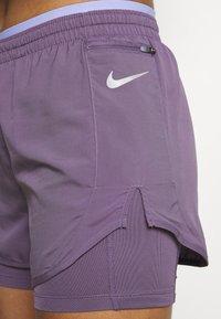 Nike Performance - TEMPO LUXE SHORT - Sports shorts - amethyst smoke/purple pulse/silver - 5
