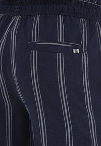 Tailored Originals - TOADRIAN  - Shorts - dark sapphire - 5