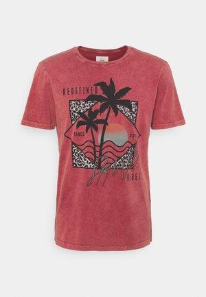 RAPOLLO TEE - T-shirt z nadrukiem - red