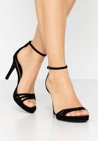 Buffalo - MELISSA - Korolliset sandaalit - black - 0