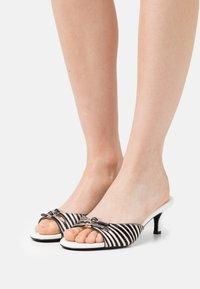 Who What Wear - RACHEL - Heeled mules - white/black - 0