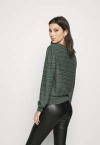 ONLY - ONLKELLY SHORT - Long sleeved top - pine grove - 2