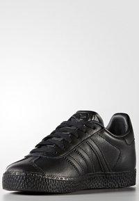 adidas Originals - GAZELLE - Trainers - core black - 2