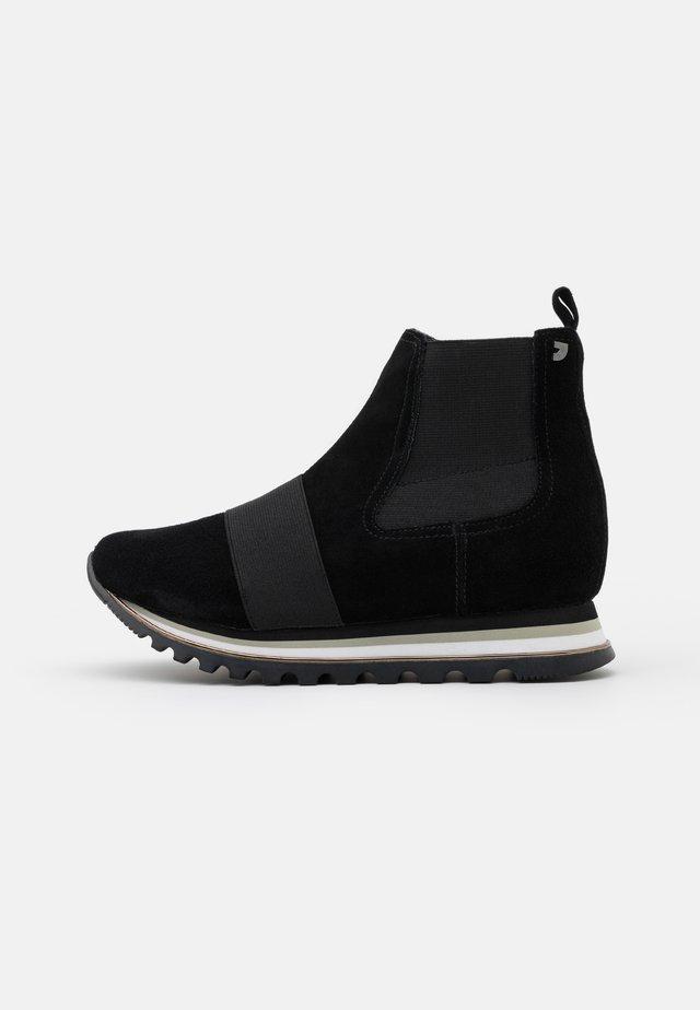 MAARDU - Kotníkové boty na platformě - black