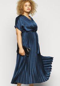 New Look Curves - GO PLEATED - Vestito elegante - navy - 3