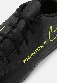 Nike Performance - PHANTOM GT CLUB IC - Indoor football boots - black/cyber/light photo blue - 5