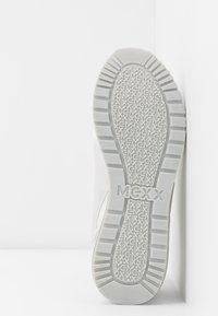 Mexx - ELANE - Sneakersy niskie - light grey - 6