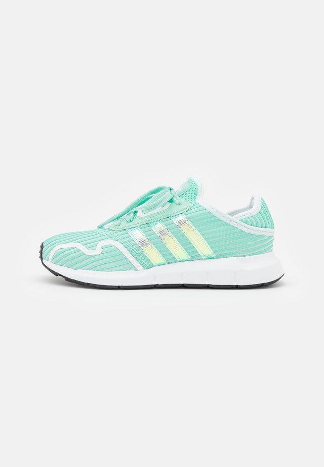SWIFT RUN X UNISEX - Trainers - clear mint/footwear white