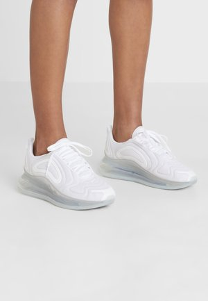 AIR MAX 720 - Matalavartiset tennarit - white/metallic platinum/pure platinum