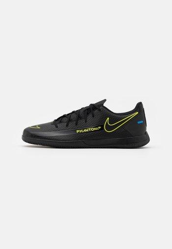 PHANTOM GT CLUB IC - Indoor football boots - black/cyber/light photo blue